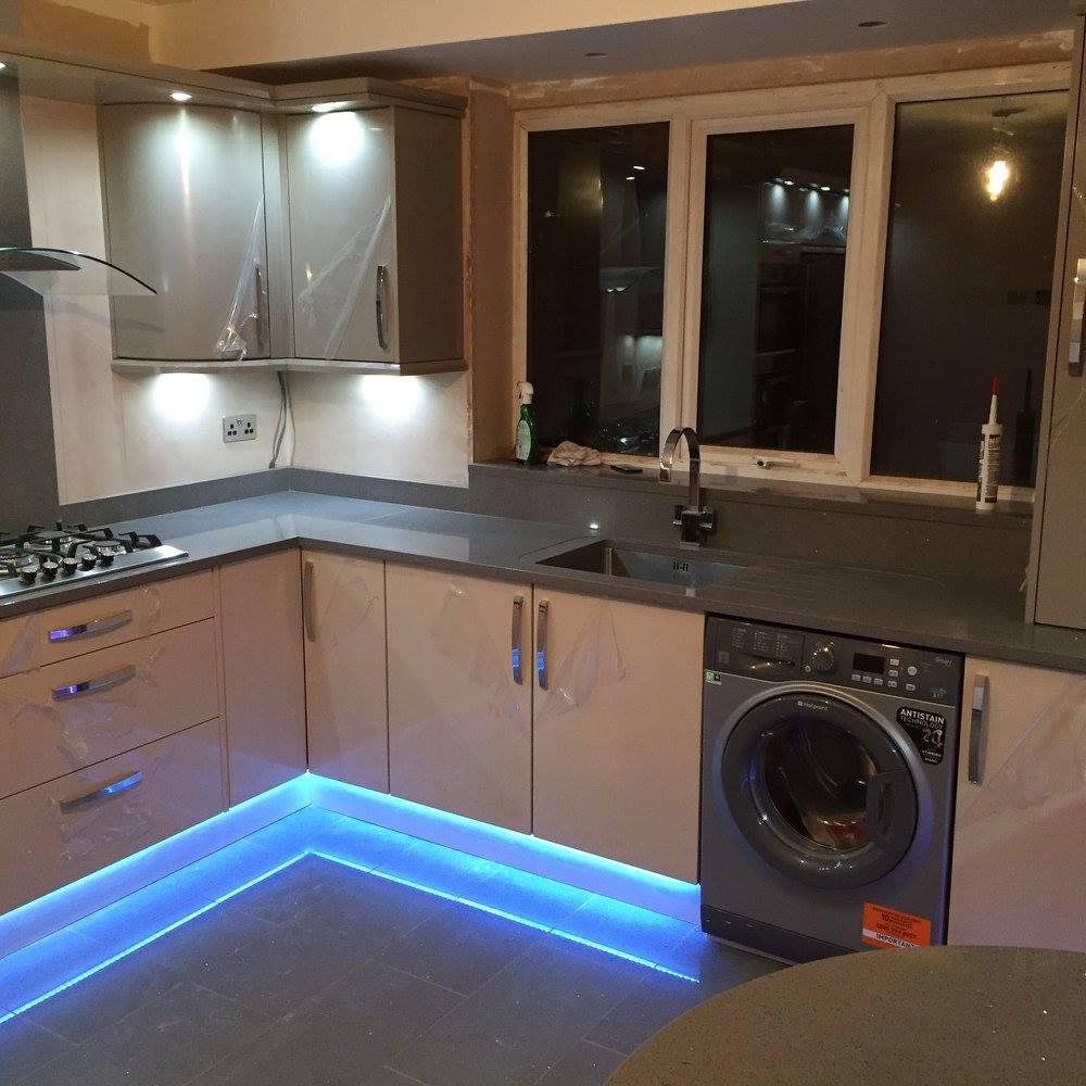 Kitchen Worktop Lighting: Grey Starlight Quartz